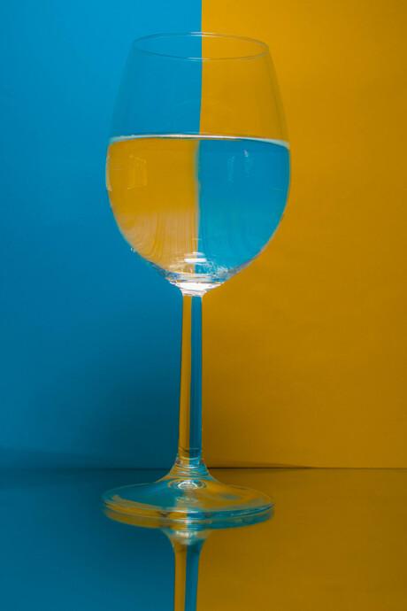 geel-blauw glas
