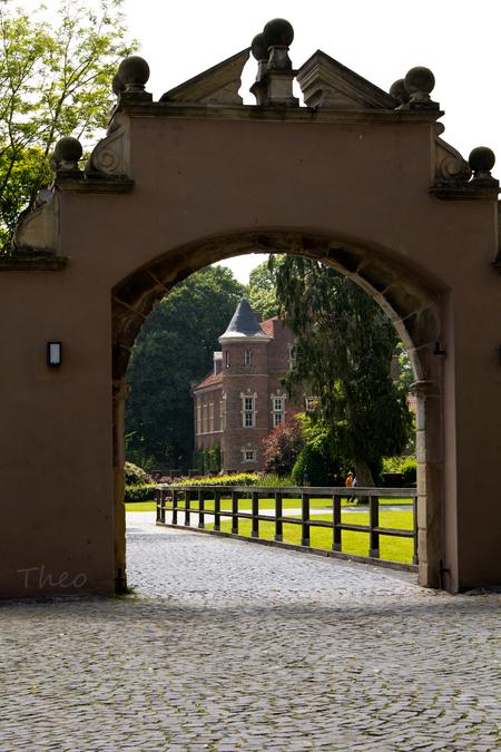 kasteelpoort wasserburg Gemen - Een kasteel van het bisdom Münster, tegenwoordig ook jeugdherberg - foto door TheoBteA op 18-05-2014 - deze foto bevat: kasteel, burcht, duitsland, borken, gemen