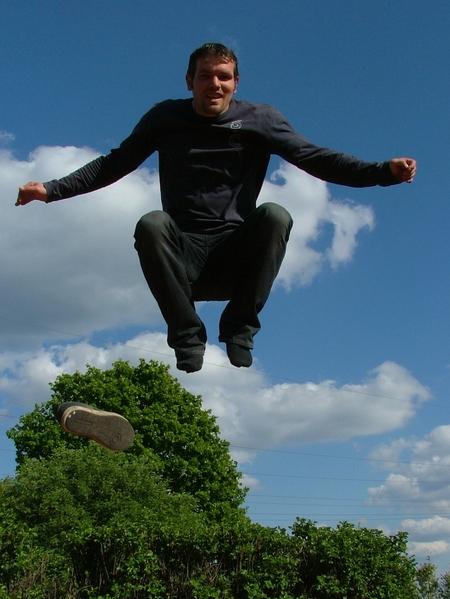 actie foto zelf in beeld - foto van mijzelf! - foto door geriejr op 07-09-2011 - deze foto bevat: trampoliene