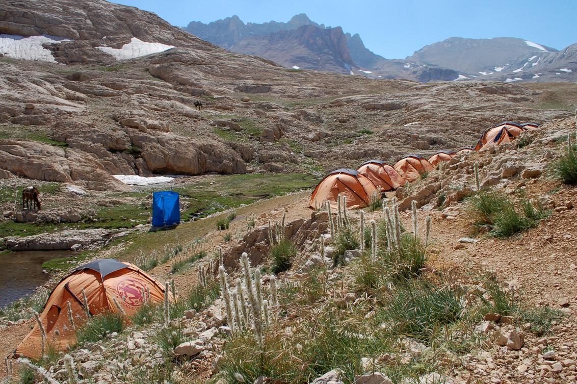YEDIGÖLLER CAMP (3070m) - Het hoogtepunt van de vakantie van dit jaar was ongetwijfeld ons verblijf op het mooiste en tevens hoogstgelegen kamp van de SNP Taurus Trekking: het - foto door wieldeguelle op 27-07-2013