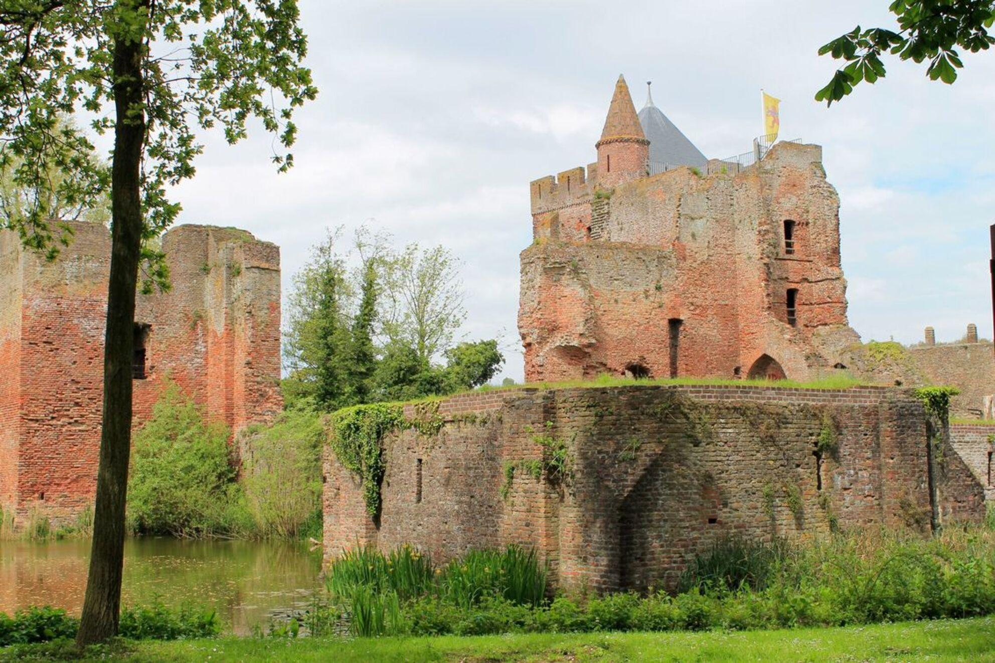Ruine van Brederode in Santpoort - De Ruine uit de middeleeuwen. - foto door Jeroen123_zoom op 17-05-2014 - deze foto bevat: panorama, kasteel