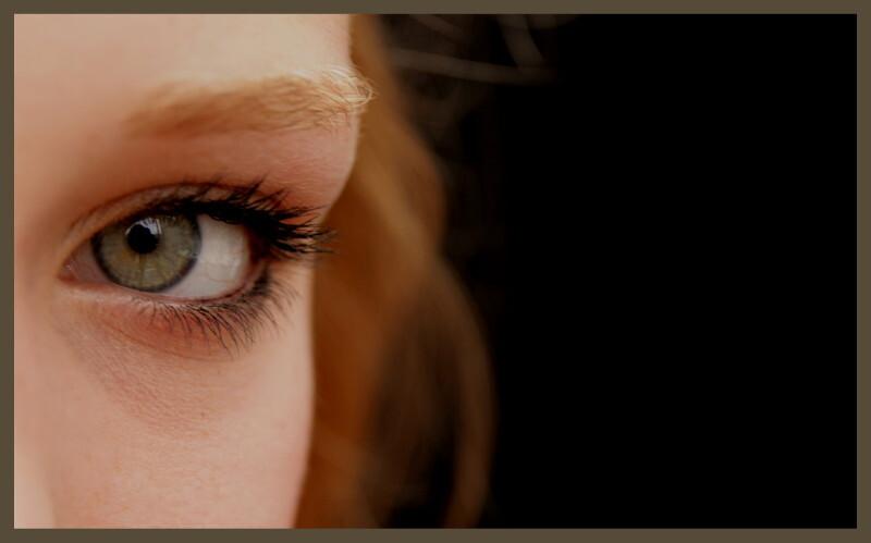 oog - in mijn serre, met zwarte achtergrond en natuurlijk licht... - foto door heleendeleeuw op 18-07-2009 - deze foto bevat: merel, oog
