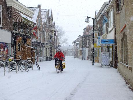 Postbesteller in de sneeuw