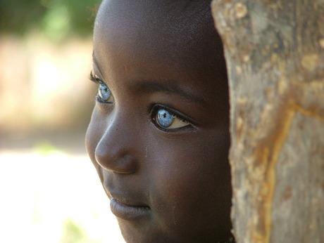 Meisje met blauwe ogen.