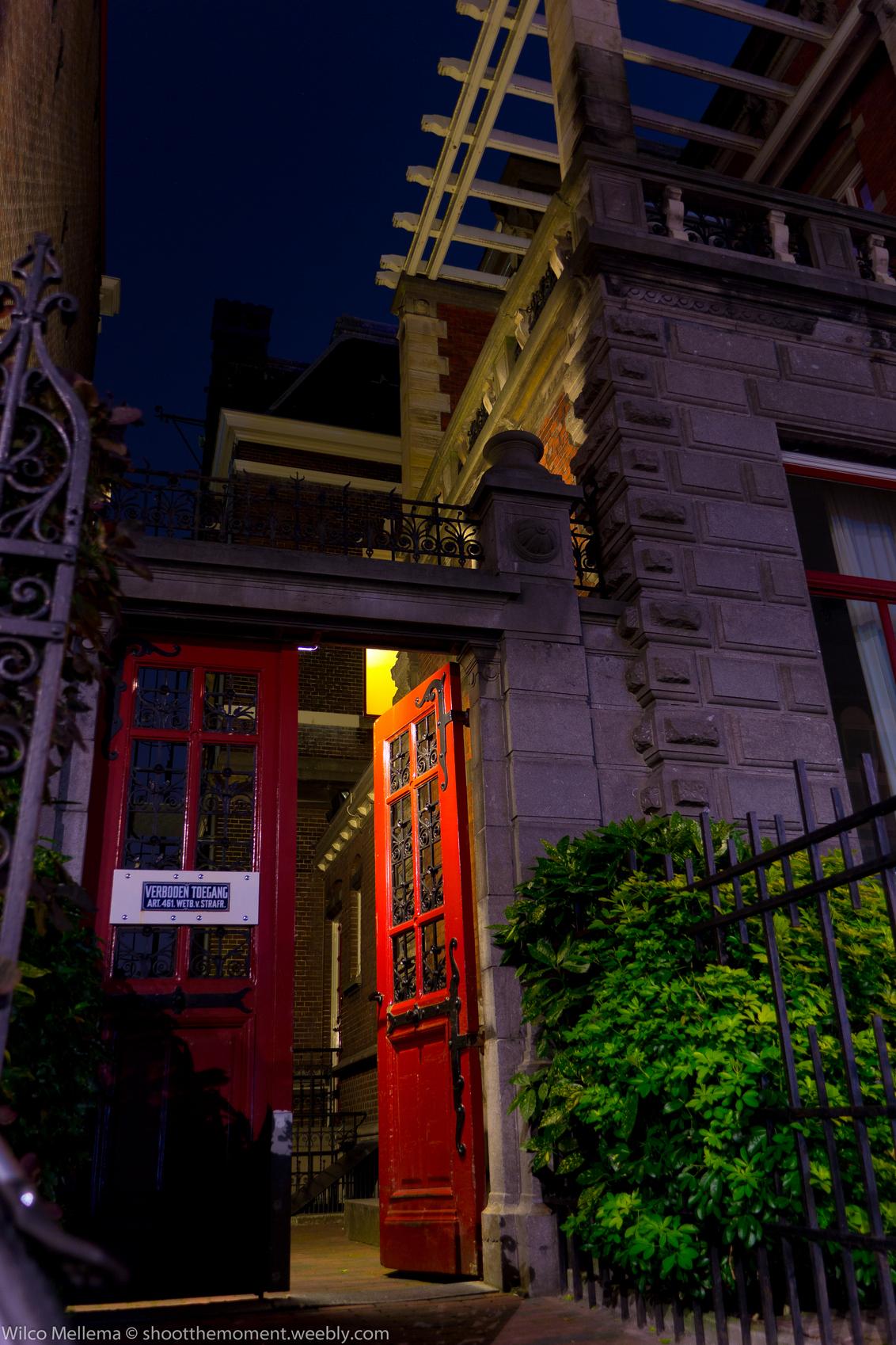 Entrance - - - foto door wilcofm op 08-09-2014