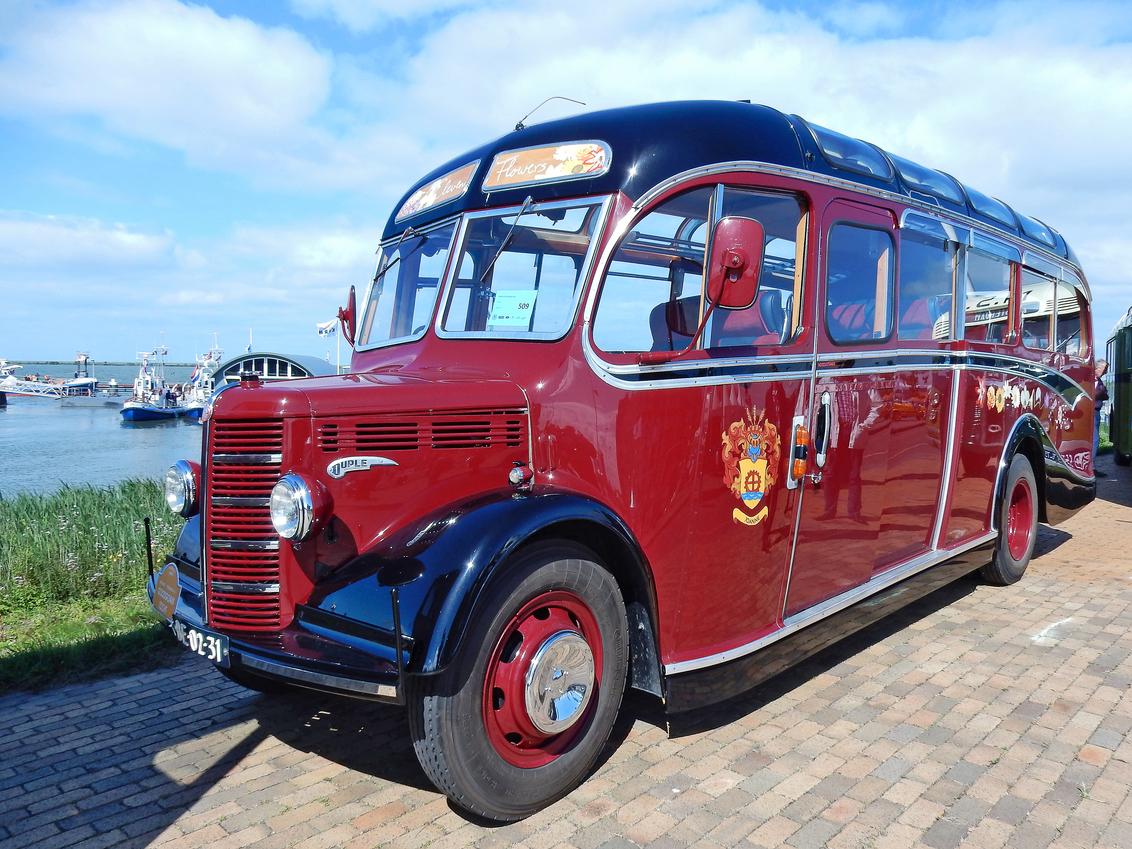 Bedford OB Duple Bus 1950 (N0654) - 1950 Bedfort Type OB Model Duple body   - 23 passagiers  [url]https://www.flickr.com/photos/photiste/51020073538/in/photostream/[/url] [url]http - foto door clay op 19-03-2021 - deze foto bevat: bus, oldtimer, straatfotografie, evenement, 1950, clay, lelystad - nederland, oldtimer bus, bedfort type ob model duple body, bedford ob duple bus, engelse oldtimer bus, vintage bus