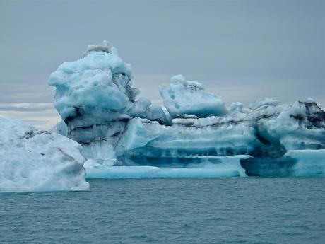 IJsschotsen op een gletsjermeer
