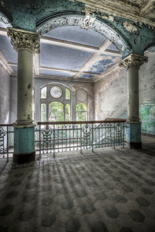 Color Hall - Beelitz Heilstatten - foto door Sjwets op 06-08-2011 - deze foto bevat: urbex, beelitz, heilstatten, sjwets