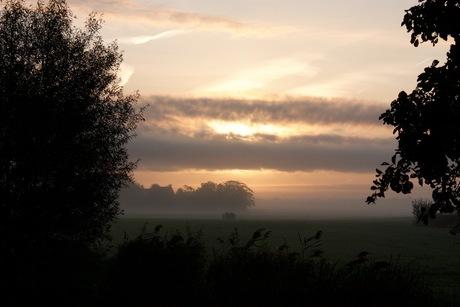 zonsopkomst in Kûbaard .. geen moment is hetzelfde..
