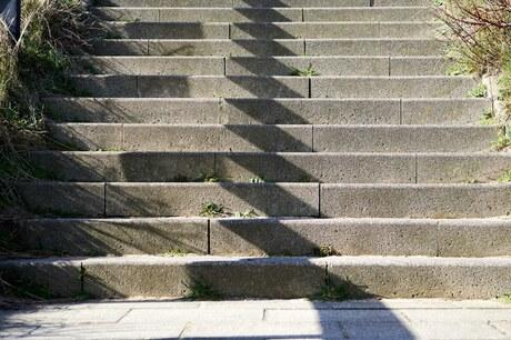 Schaduwen op de trap