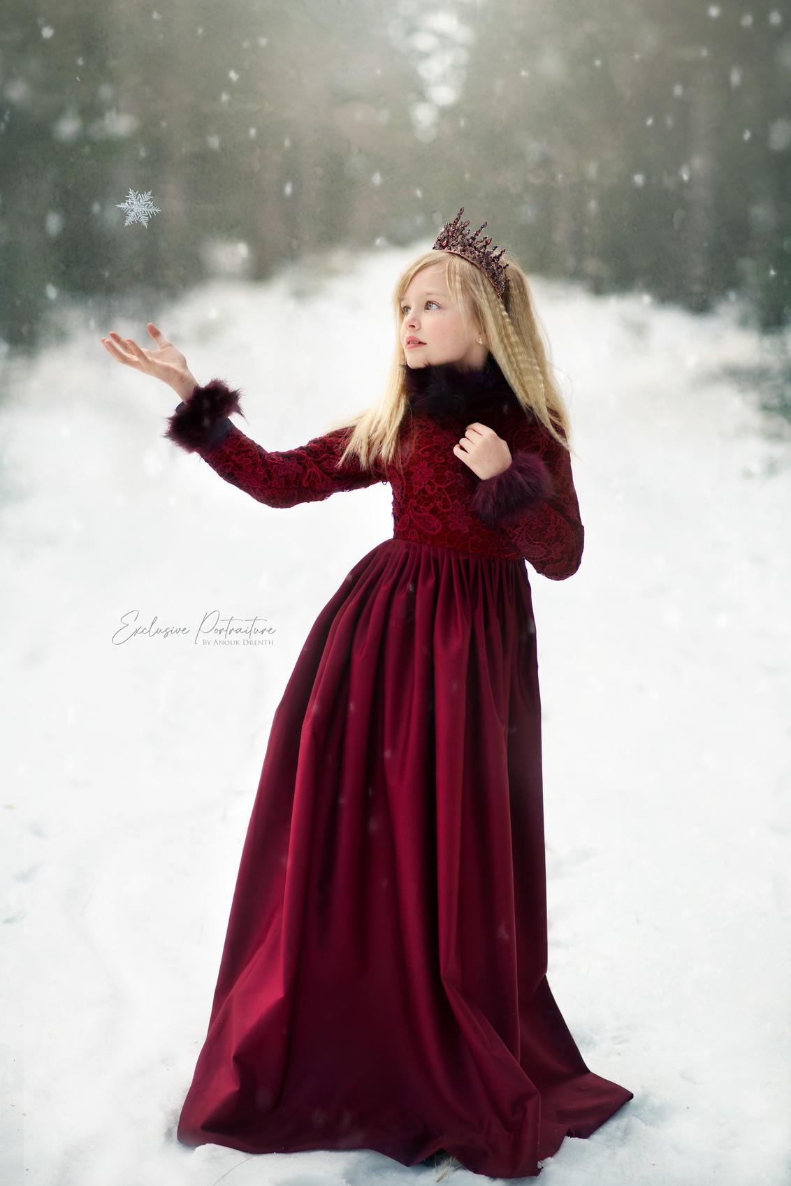Nova sneeuw5b-klein - Portret in de sneeuw - foto door noekie13 op 03-03-2021 - deze foto bevat: sneeuw, daglicht, kind, kinderen, meisje, lief, beauty, blond