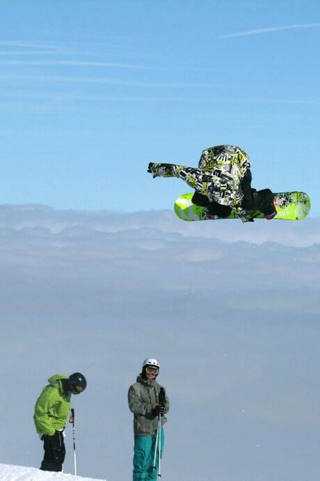 snowboard big air