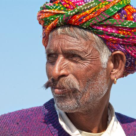 Mooi doorleefde man in Pushkar