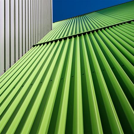Dwarsligger (2) - Groen is de toekomst...  Variant op [url=https://zoom.nl/foto/architectuur/dwarsligger.3238214.html?object=user&object_id=147429]klik[/url]. Nu dic - foto door corvee1r op 09-12-2020 - deze foto bevat: groen, blauw, abstract, lijnen, architectuur, gebouw, perspectief, groningen, modern, corvee1r