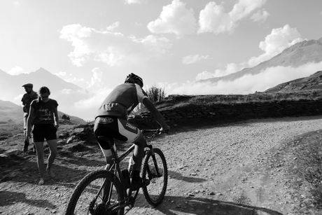 Lac du Mont Cenis - mountain biker