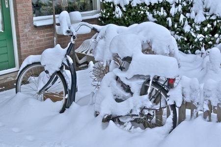 Ingesneewd - Voor iedereen een geweldig 2011 gewenst. - foto door Henkes62 op 02-01-2011 - deze foto bevat: sneeuw, nieuwjaar, 2011