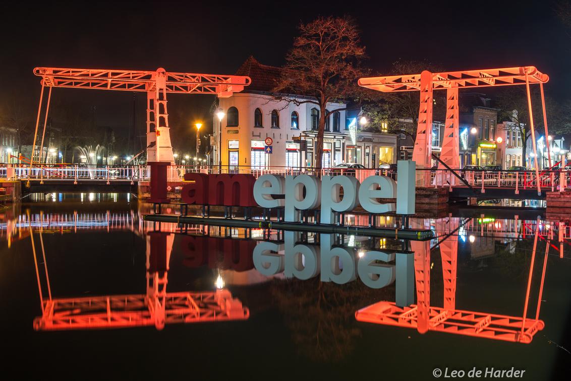 I AMEPPEL - Amsterdam had het, Meppel heeft het...  I AMEPPEL - foto door deharder op 05-12-2018 - deze foto bevat: licht, spiegeling, reflectie, gracht, meppel, deharder