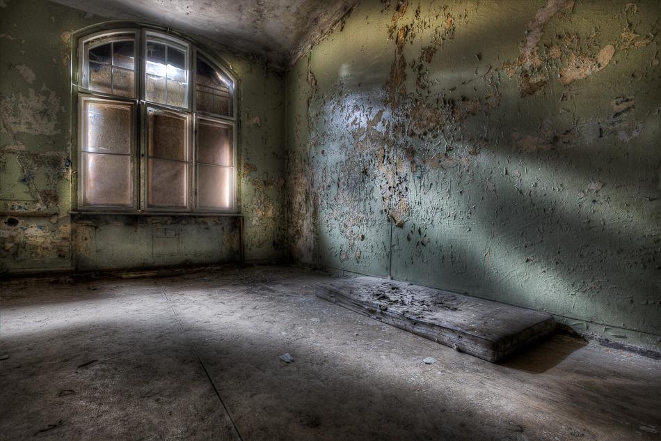 Sleeping place - Heilstatten G - foto door Sjwets op 06-08-2011 - deze foto bevat: urbex, sjwets, Heilstatten G