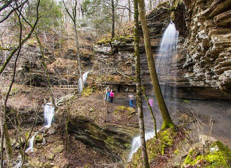 Twin falls Devil's Den State Park