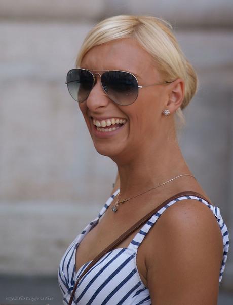 smile lady smile