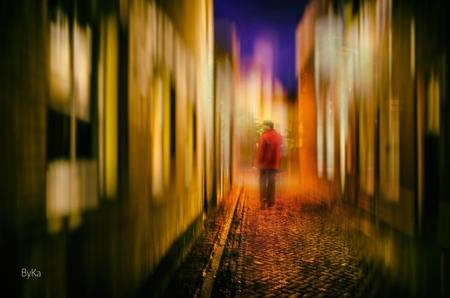 A stroll in Red - - - foto door Byka-fotografie op 12-11-2017 - deze foto bevat: abstract, fantasie, bewerking, contrast, creatief, manipulatie, tonemapping, bewerkingsuitdaging