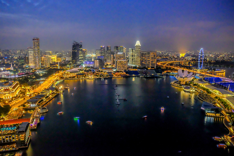Singapore by night 2
