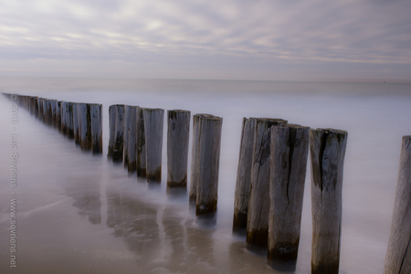 End Of Line - De Nederlandse kust, ideaal voor lange sluitertijden. - foto door lucsevriens op 15-12-2013 - deze foto bevat: strand, zee, zoutelande