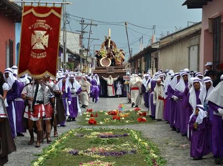 Processie Semana Santa in Antigua