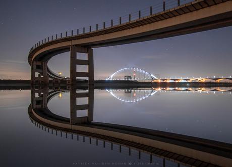Gespiegelde bruggen