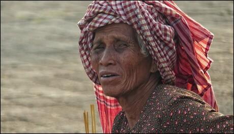 Vrouw op de markt.