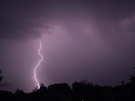 Onweer bij nacht