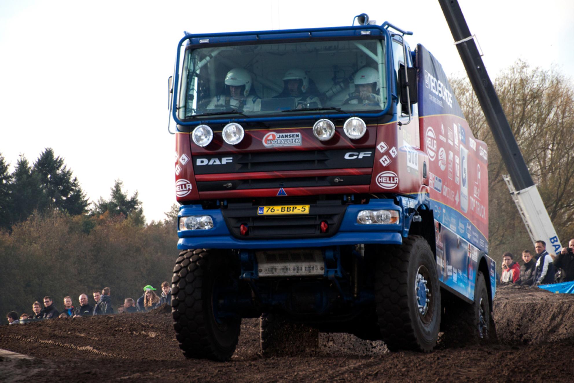 pre proloog dakar 2014 - - - foto door Br4m op 10-11-2014 - deze foto bevat: race, sport, auto, vrachtwagen, rally, autosport, circuit, valkenswaard, coureur, dakar, Pre Proloog - Deze foto mag gebruikt worden in een Zoom.nl publicatie