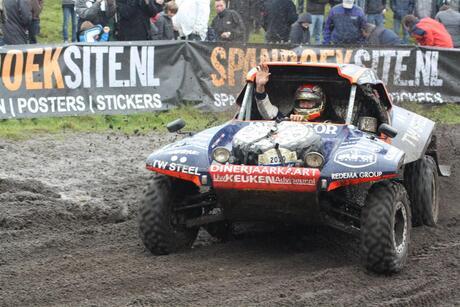 Tim Coronel in zijn McRae 4x2 buggy