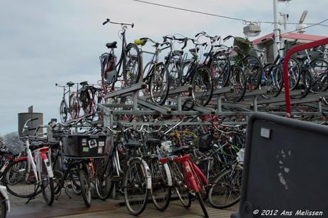 Hier ergens staat mijn fiets