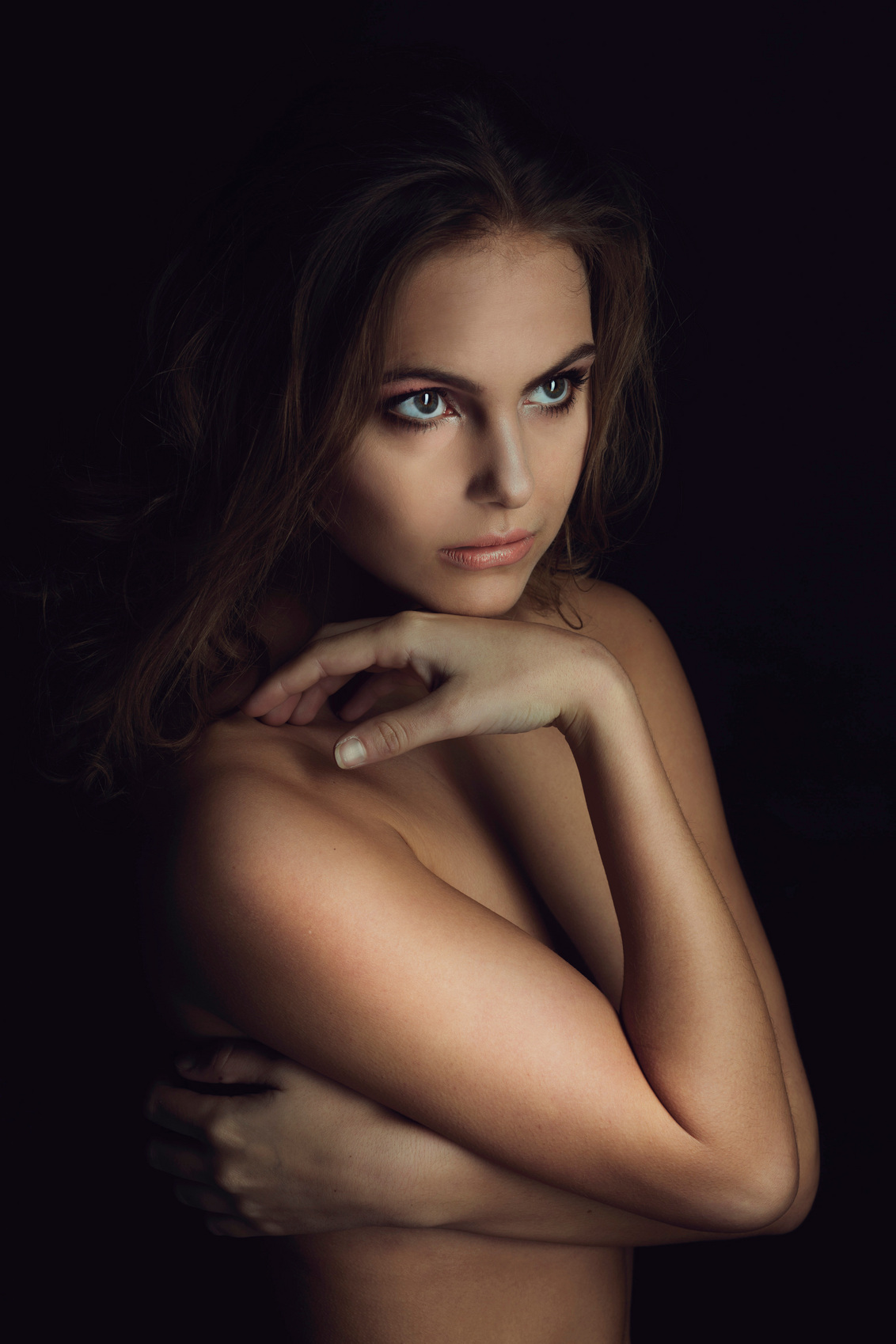 Vogue inspiration - . - foto door anoukstrijbos op 11-02-2015 - deze foto bevat: licht, portret, model, beauty, expressie, magazine