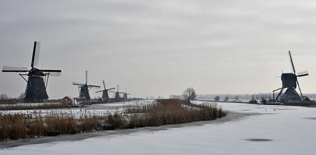 Kinderdijk in de sneeuw (2)