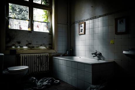 Take a bath, nobody will see
