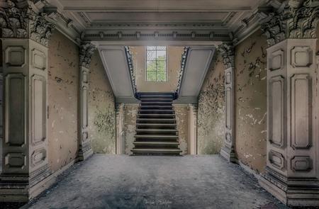IMG_5508_HDR - - - foto door christophe0410 op 07-11-2017 - deze foto bevat: oud, abstract, licht, kasteel, lijnen, gebouw, belgie, verlaten, vervallen, hdr, urbex, tonemapping, urban exploring, lange sluitertijd
