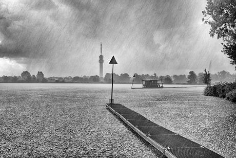 Regen op de plas