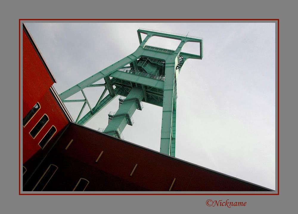 """Duits Mijnmuseum 1 - Dit is de eerste upload die ik heb gemaakt in het """"Deutsches Bergbaumuseum"""". Een geweldig museum dat erg veel laat zien van de mijnbouw. Deze opname - foto door Nickname op 06-09-2008 - deze foto bevat: lucht, gebouw, museum, mijn, mijnschacht"""
