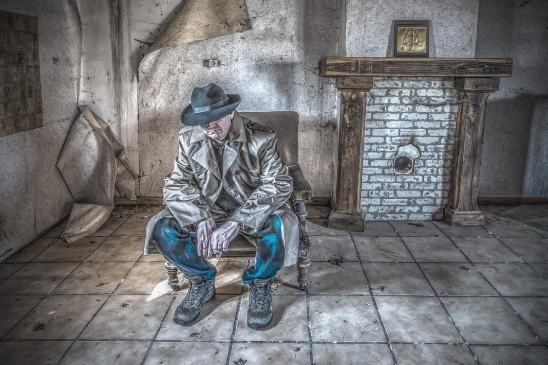 So What? - Gewoon zitten en een foto maken. Zien we wel wat er van komt. - foto door geppestein op 30-05-2016 - deze foto bevat: gebouw, nikon, verlaten, hdr, building, urbex, abandoned, leegstand, decay, d800, geppestein, www.geppesteinfotografie.nl, high-dynamic-range, urban-exploring