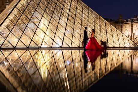 Louvre in love