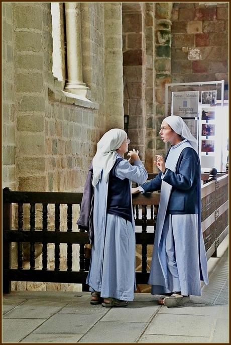 2 Nonnen