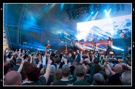 PCL 2012-29 - Het gehel optreden van Within Temptation staat in het teken van spektakel. Hun mooie symphonische klanken worden bijgestaan door een geweldig visueel - foto door mphvanhoof_zoom op 31-08-2012 - deze foto bevat: optreden, festival, lichtshow, heerlen, within temptation, park city live, symphonische metal