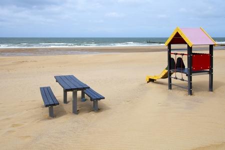 Nog geen hond - Dat zal er vandaag anders uit zien daar. - foto door goosveenendaal op 16-07-2014 - deze foto bevat: strand, zee, zand, zeeland