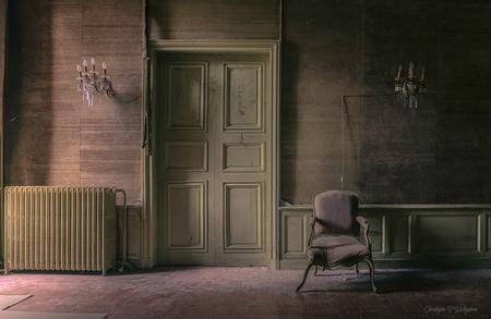 IMG_2153_HDR - - - foto door christophe0410 op 15-11-2017 - deze foto bevat: oud, zon, abstract, licht, kasteel, lijnen, frankrijk, architectuur, gebouw, kunst, huis, verlaten, vervallen, hdr, urbex, tonemapping, urban exploring