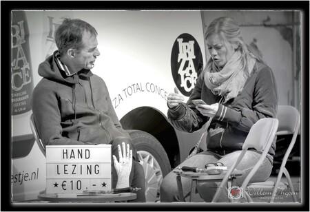 Telefoon Lezing - Hand Lezing of Telefoon Lezing :-) - foto door Willem Thepen op 01-02-2019