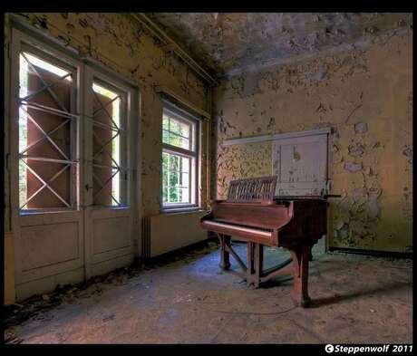 Piano Sanatorium III