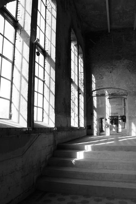 Licht in een oud gebouw