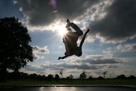 jumpstyle - - - foto door kirsten1965 op 23-05-2007 - deze foto bevat: kind, trampoline